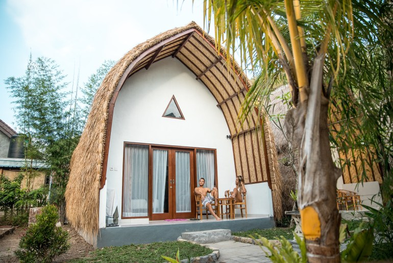 Where to stay in Nusa Penida - Bale Lumbung Bungalows Review - Nusa Penida Travel, Nusa Penida Bali, Nusa Penida Bungalows | Wanderlustyle.com