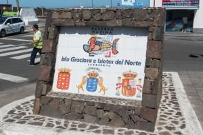 Hinweisschild am Hafen