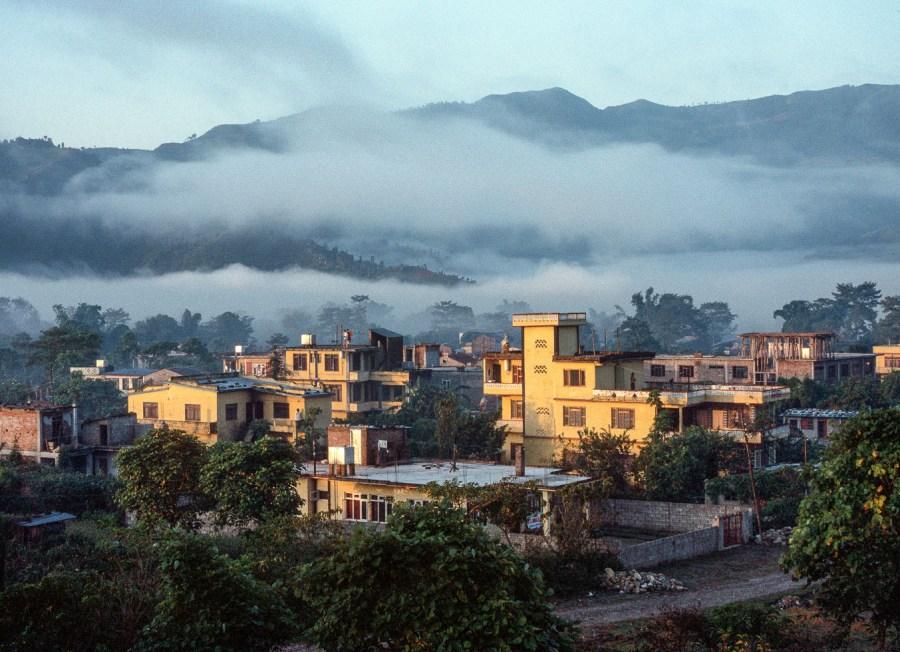 Pokhara im Morgennebel