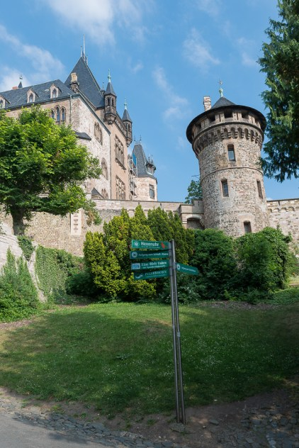 Burgturm von unten