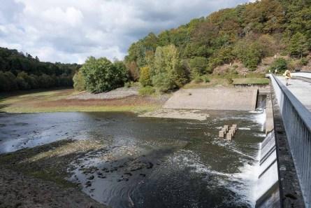 Wenig Wasser im Hauptsee