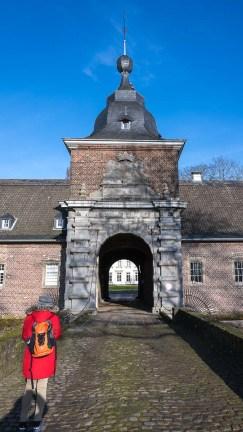 Der Haupteingang bleibt der Öffentlichkeit verschlossen
