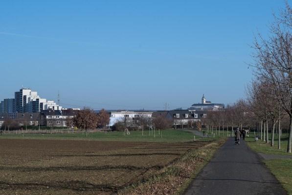 Siegburg im Hintergrund