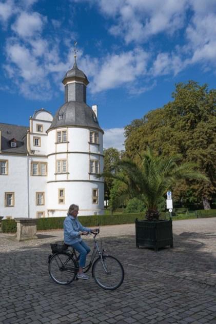 Am Ausgang des Schlosses
