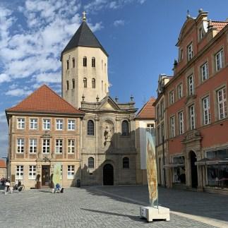 Bürgerhäuser mit Gaukirche St. Ulrich