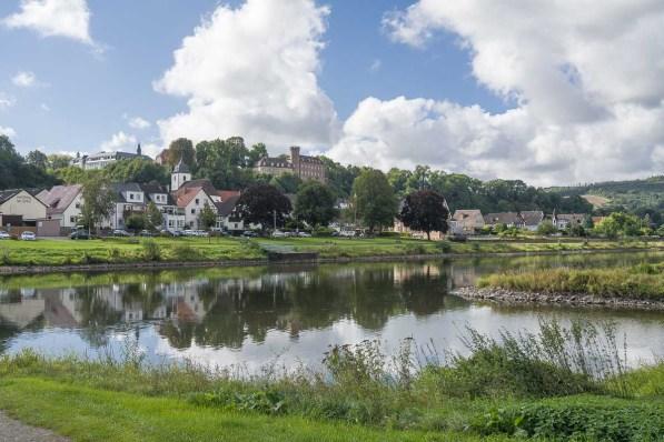 Blick auf die andere Weserseite beim Start der Wanderung