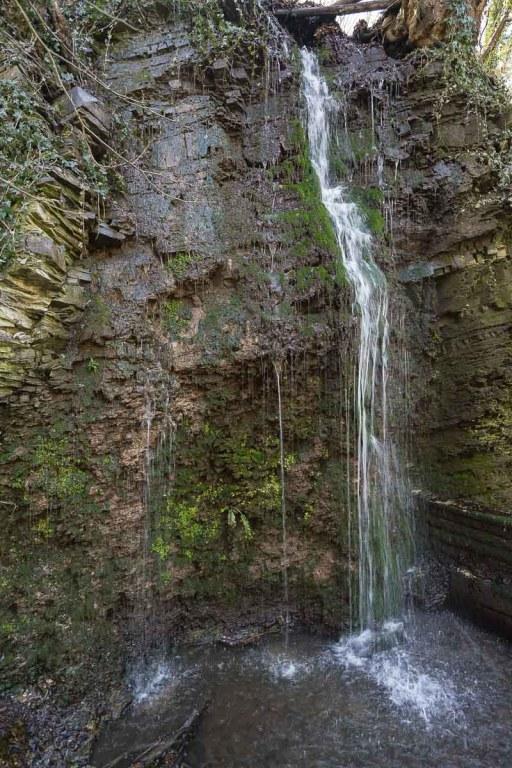 Künstlich angelegter Wasserfall in Unkel