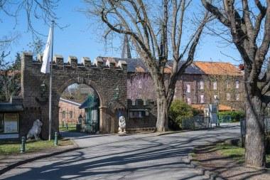 Eingang in die Burg-Anlage
