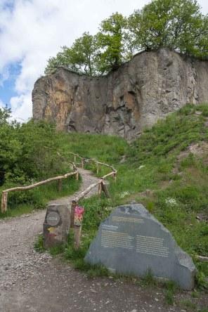 Abzweig zum Stenzelsberger Steinbruch