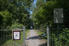 Eingang zum Park des Papiermuseums