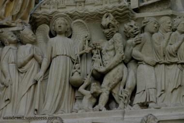 Detail an der Fassade von Notre Dame
