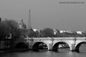 Blick auf den Pont Neuf und den Eiffelturm