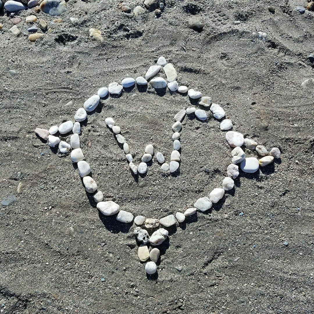 Wanderonomy Beach Logo