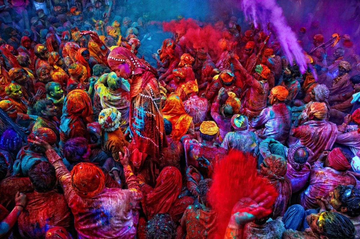 Travel Guide To The Festival of Colours - Holi