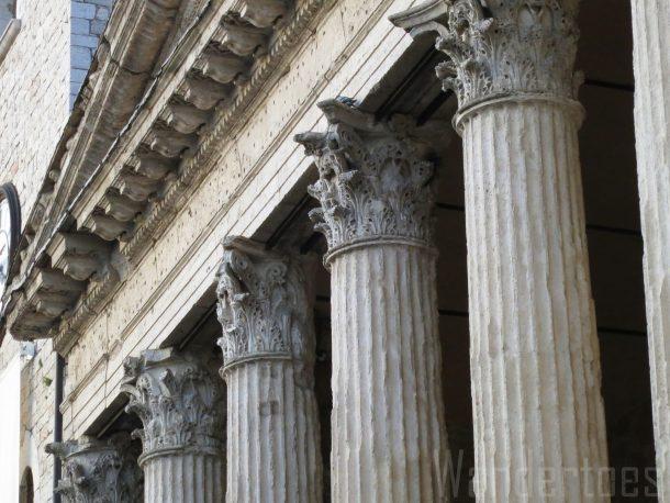 Assissi Columns Watermark