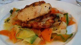Grilled chicken w/ vegetable tagliatelle, 17 euro