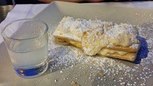 Mille-feulles w/ almond liqueur cream, 10 euro (ouzo extra)