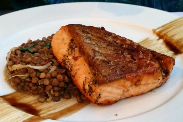 Roast salmon w/ spinach, lentils and orange, 27 euro