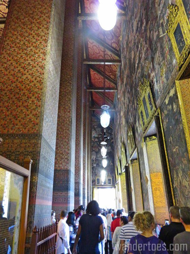 wat-pho-buddha-interior