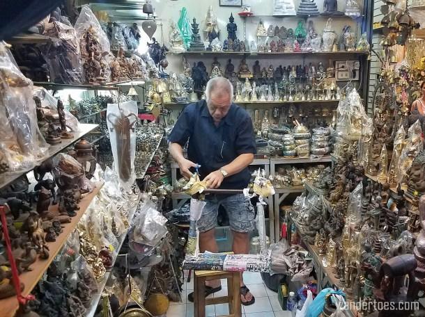 Chatuchak Gong Shop