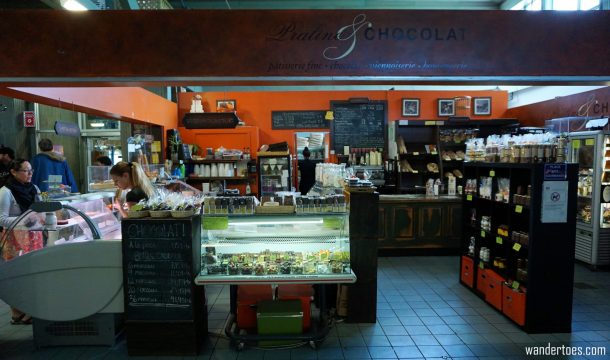 Praline & Chocolate shop in Marche du Vieux Port. Quebec City shopping artisan souvenirs.
