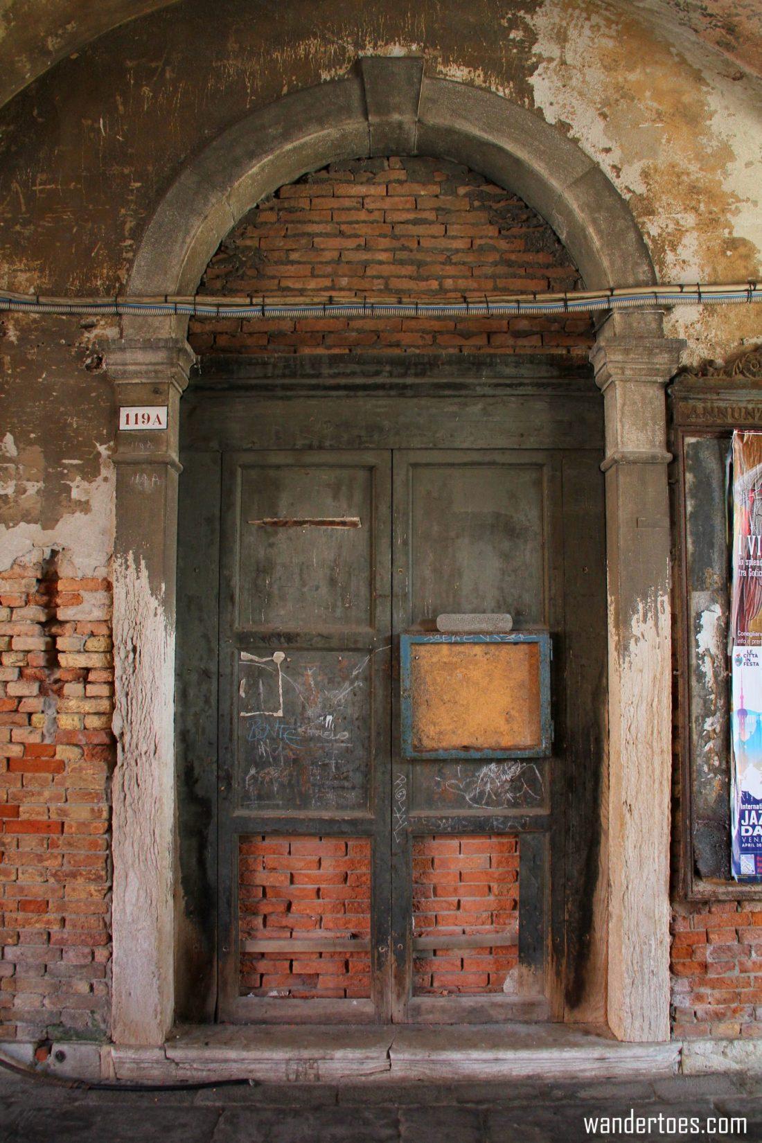 Venice Door 12