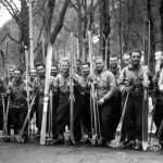 Collection JMOllivier - Raid Jeunesse et Montagne Les participants du raid Urdos-Luchon 1942