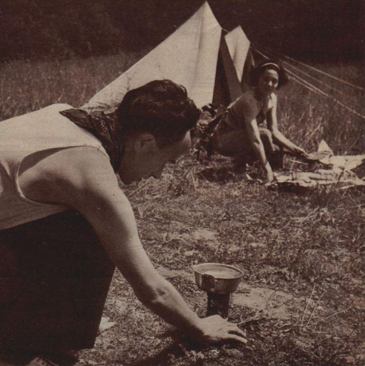 1937_07_29_Regards_LES JOIES DU CAMPING par Jean Loiseau_01