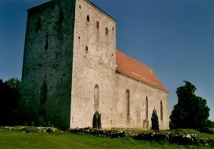 Eglise de Pöide, Estonie et son cimetierre delaissé