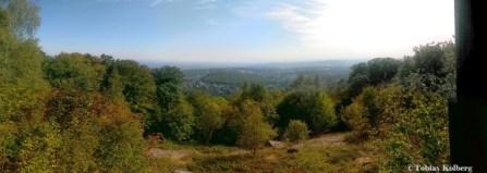 Links kann man bis zum Spessart und rechts bis zum Odenwald schauen.