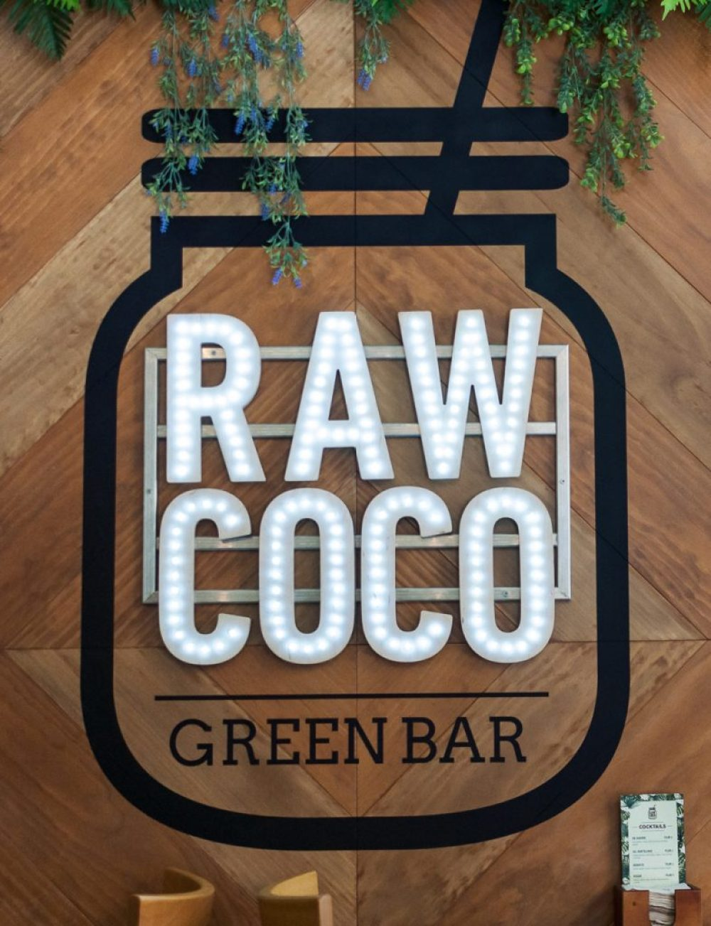 Rawcoco Green Bar Madrid | Wanderwings