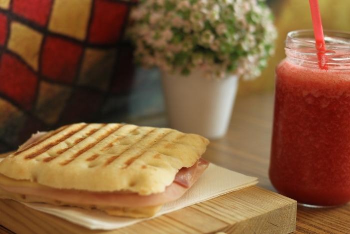 barcelona breakfast cafe