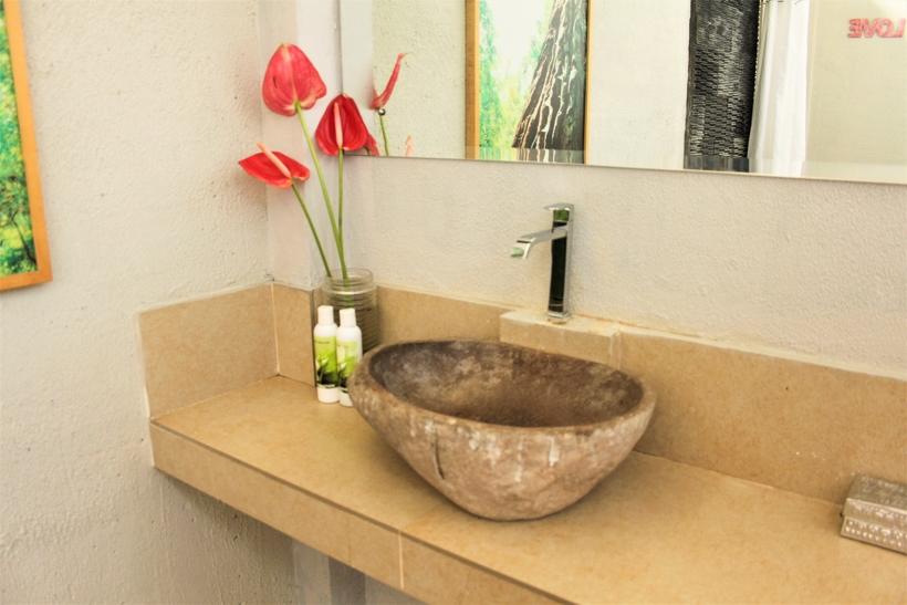 The Moskha Ubud bathroom