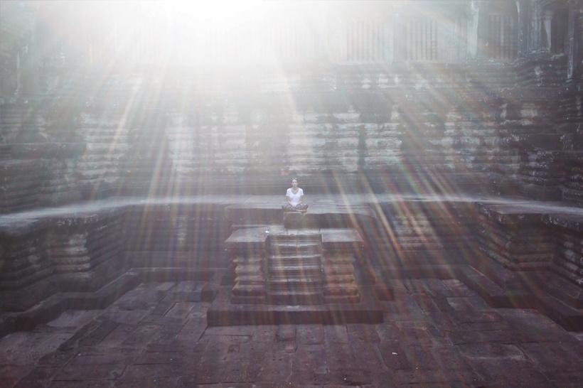 Sun rays in Angkor Wat