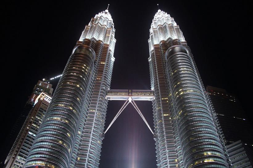Petronas Towers night