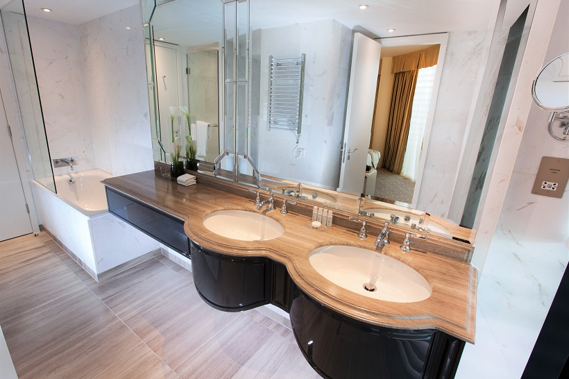 Dorsett Suite Bathroom