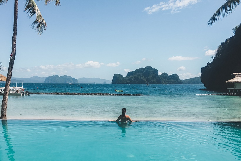 Miniloc Island infinity pool