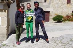Warmshower Alfredo begleitet uns die ersten Kilometer