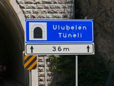 Tüneli gibtˋs nicht nur in der Schweiz.