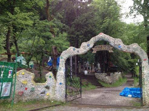 Borjomi - Schwefelwasser ist gut für den Magen. Kinderparadies inklusive.