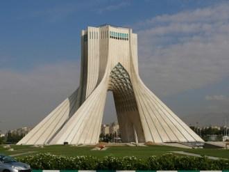 Der Freiheitsturm in Teheran.// The Freedom Tower in Tehran.