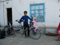 Magrud und die kleine Nichte.// Marud and his little niece.