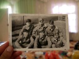 Muxtor oben in der Mitte beim Militärdienst in Sibirien.// Muxtoe (middle, up) at military service in Sibiria.