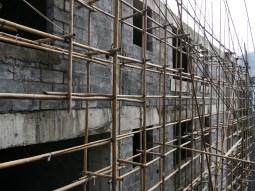 Fenghuang. Bamboo scaffold.// Bambusgerüst.