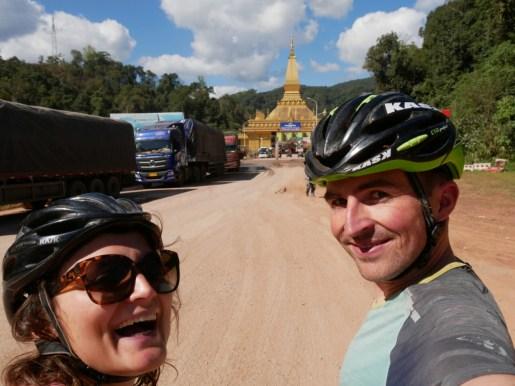 Lao!//Laos!