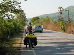 Very nice streets witout much traffic - this is North Thailand for us.// Sehr schöne Straßen mit wenig Verkehr. Das ist Nordthailand für uns.