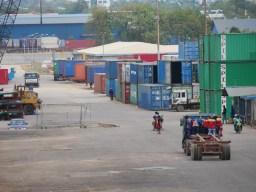 The port of Batam.// Hafen von Batam.