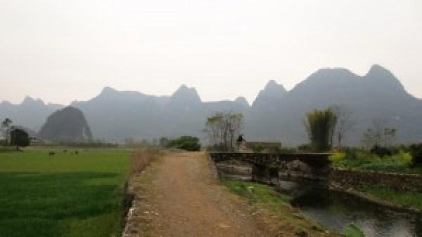 Fietsen door omgeving Yangshuo