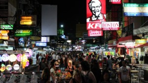 Kho San Road by night