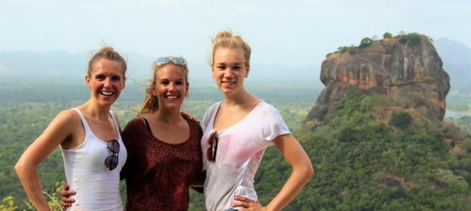 TRAVEL   Reis door Sri Lanka met twee mooie vrouwen